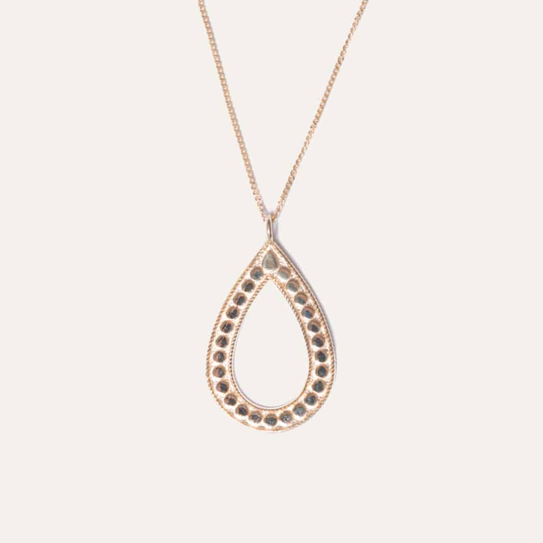 Lange ketting met ovale hanger goud