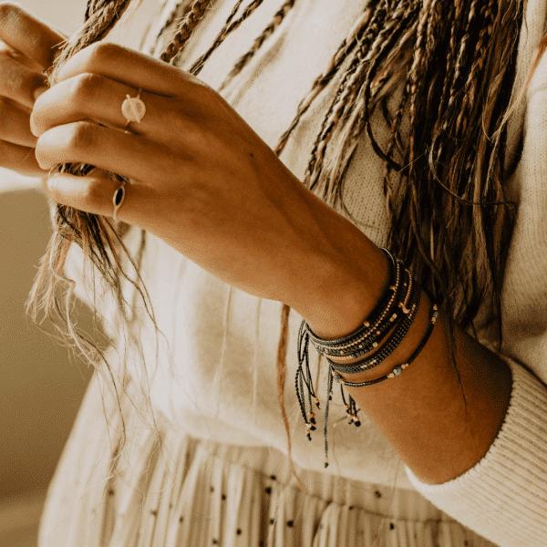 dunne armbandjes touw