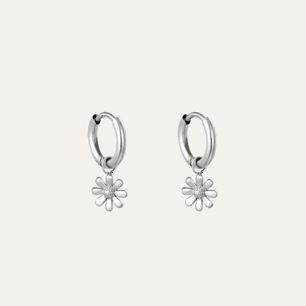 Oorbellen met hanger bloem zilver